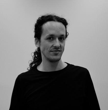 YAZID BENFEGHOUL - Portraet